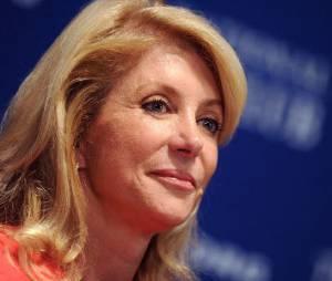 """Wendy Davis traitée de """"Barbie"""" par les républicains, Mattel réplique"""