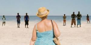 """Tourisme sexuel au féminin : femmes blanches recherchent """"beach boys"""" et inversement"""
