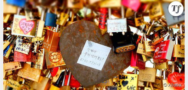 """Les """"cadenas d'amour"""" du pont des Arts bientôt interdits ?"""