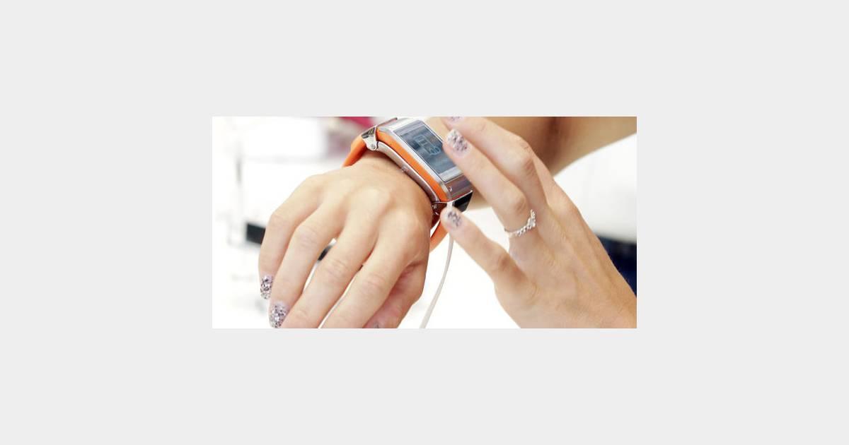samsung galaxy gear une montre compatible avec iphone et android. Black Bedroom Furniture Sets. Home Design Ideas
