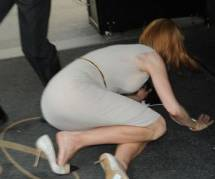 Nicole Kidman : chute spectaculaire à cause d'un paparazzi à vélo