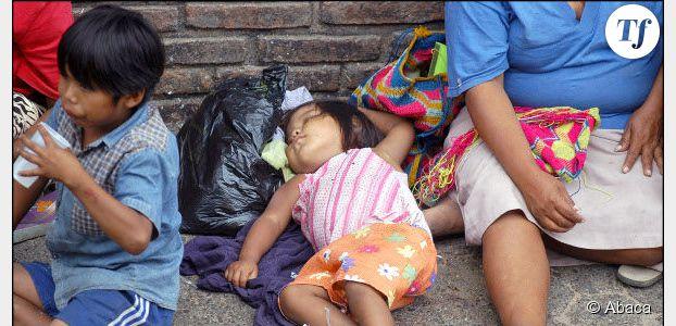 Roms : Claude Bartolone s'attaque à la mendicité avec enfant