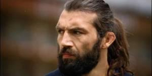 Rugby : Chabal, mis à pied par le Racing, regrette ses propos