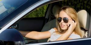 Sécurité routière : les femmes dangereuses au volant ?
