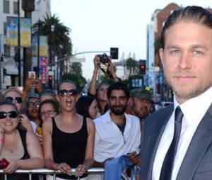 """Fifty Shades of Grey"" : Charlie Hunnam trop frileux pour jouer le rôle de Christian Grey ?"