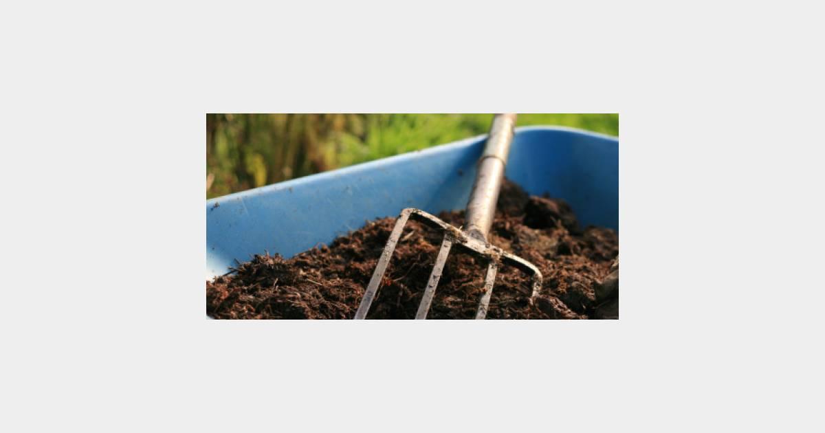 Comment fabriquer un composteur pour faire du compost - Fabriquer un petit composteur ...