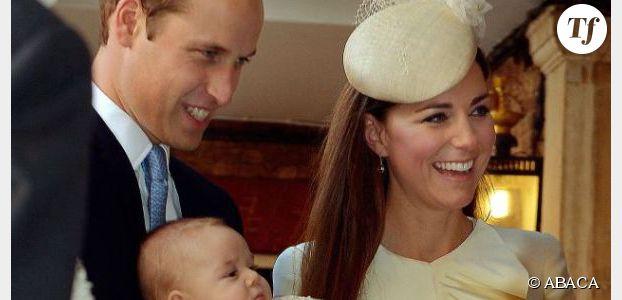 Baptême du prince George : les photos du bébé avec Kate et William