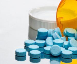 Antibiotiques: pourquoi seront-ils bientôt vendus à l'unité?