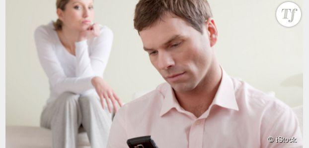 45% des infidèles se sentaient abandonnés au profit... du smartphone de leur partenaire
