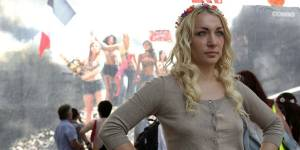 """Femen arrive en Grande-Bretagne et se présente comme """"l'Al-Qaida féministe"""""""