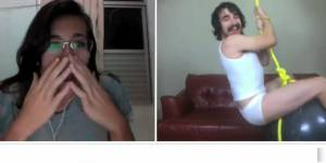 """Wrecking Ball"" : la version Chatroulette du tube de Miley Cyrus fait le buzz - vidéo"