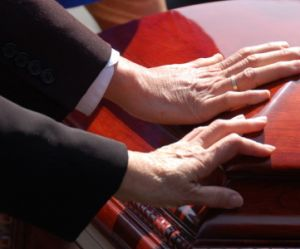 Sida : une pétition pour le droit aux soins funéraires des séropositifs