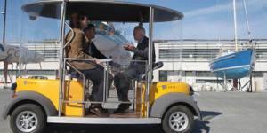 """La Rochelle et ses """" Cybercars"""" : des bus sans chauffeur circulent dans la ville"""