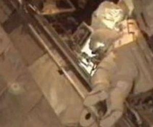 Deux astronautes sortent dans l'espace pour réparer une avarie – en vidéo