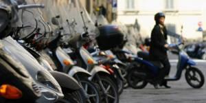 Le stationnement payant pour moto et scooter à Paris, c'est pour bientôt ?