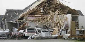 Tornades meurtrières aux Etats-Unis : la ville de Joplin pleure ses 89 morts
