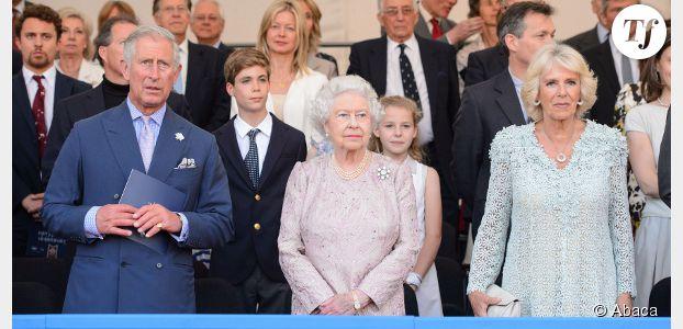 Elizabeth II va-t-elle abdiquer en 2014 pour laisser Charles régner ?