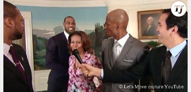 """Michelle Obama """"dunk"""" contre l'obésité avec Lebron James (vidéo)"""