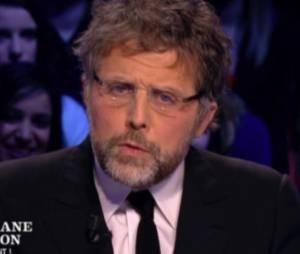 Quand Stéphane Guillon parodie François Hollande au Grand Journal pour railler Jean-Luc Hees