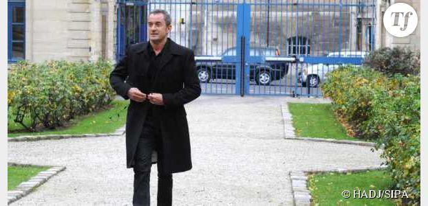 """""""Touche pas à mon poste"""" : Christophe Dechavanne tacle l'émission de Cyril Hanouna et félicite Laurent Ruquier"""
