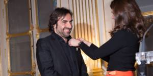"""André Manoukian : le juré de la """"Nouvelle Star"""" fait chevalier des Arts et des Lettres"""