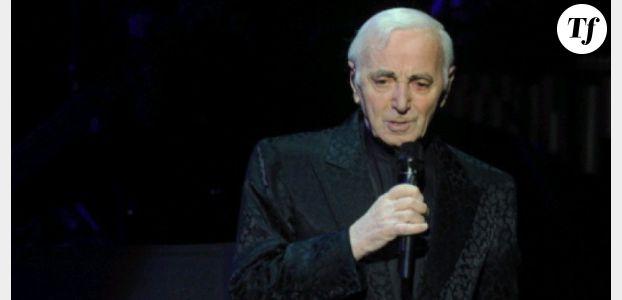 Charles Aznavour et Dany Boon dans Hier encore sur France 2