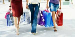 Instagram : le SOS des hommes qui subissent le shopping - en images