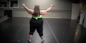 """""""No body shame"""" : Whitney Thore, 158 kg, danse comme une déesse et n'a pas honte de son poids"""