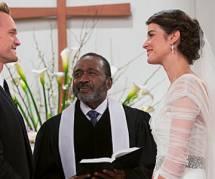 How I Met Your Mother saison 9 : le mariage de Robin et Barney en photos