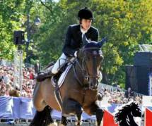 Charlotte Casiraghi reprend l'équitation avec le sourire