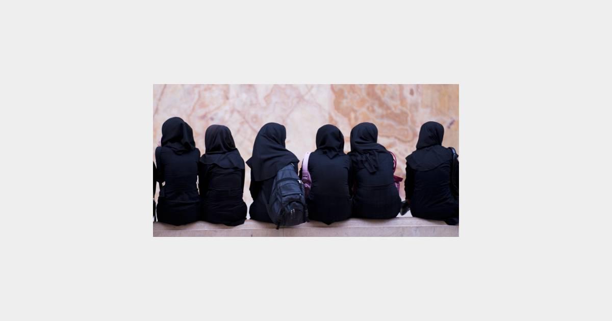 Iran une universit propose un cursus pour devenir une for Femme au foyer 1900