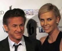 Sean Penn remplace Robin Wright par Charlize Theron dans son prochain film