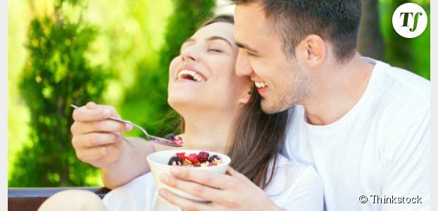 Pour être heureux en couple, mangez (du sucre de préférence) !