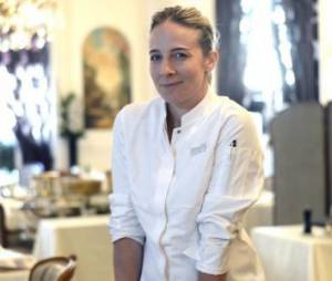 """Amandine Chaignot, la jurée de """"Masterchef"""" quitte le restaurant Raphaël"""