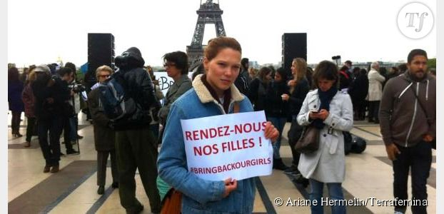 #BringBackOurGirls : Carla Bruni, Valérie Trierweiler et de nombreuses actrices manifestent au Trocadéro