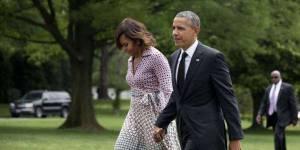 Le couple Obama parle de son premier rendez-vous en amoureux - vidéo
