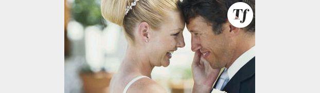 Un Russe simule une bagarre pour demander en mariage sa copine - en vidéo
