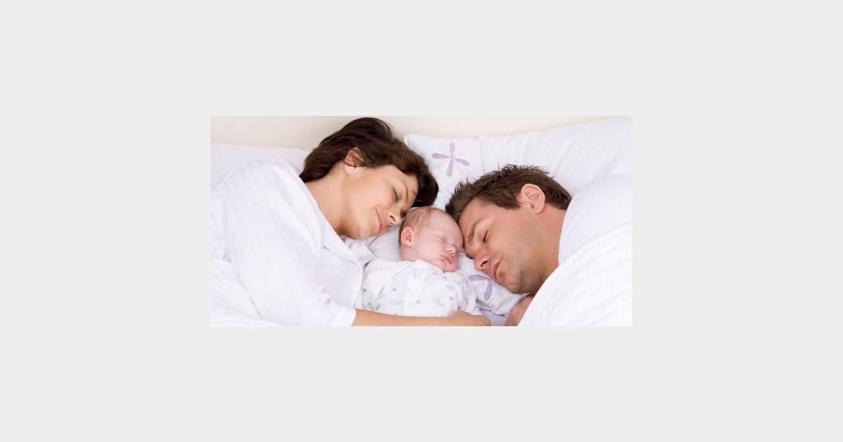 Dormir avec son bébé : premier risque de mort subite chez
