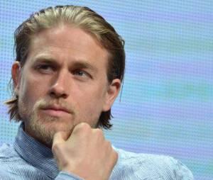 50 Shades of Grey : Charlie Hunnam est fan d'E. L. James