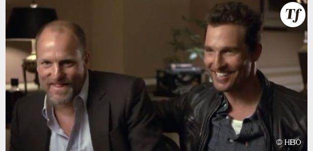 True Detective : Matthew McConaughey et Woody Harrelson commentent leur scène de bagarre - vidéo