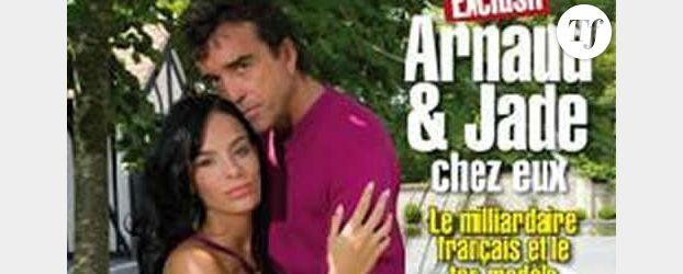"VIDEO : Arnaud Lagardère et sa compagne Jade Foret font des photos ""glamour"""