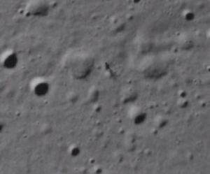 Une étrange silhouette repérée sur la Lune - en vidéo