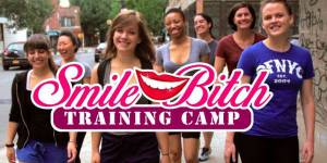 Smile Bitch Training Camp : la parodie qui ridiculise le harcèlement de rue