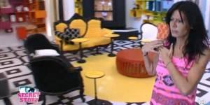 Secret Story: Nathalie se fait préparer une surprise par les habitants - video