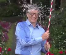 Mark Zuckerberg et Bill Gates prennent un seau d'eau glacée sur la tête contre la sclérose - vidéo