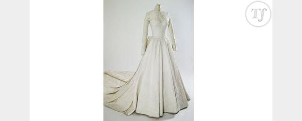 Buckingham Palace expose la robe de mariée de Kate Middleton