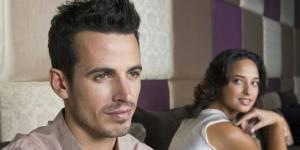 Sexualité : la timidité d'un homme est-elle synonyme de mauvais coup ?