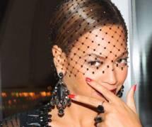 Beyoncé n'est pas enceinte et le prouve avec du champagne