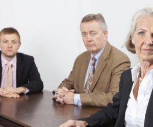 Retraite : les femmes estiment à 63 ans minimum l'âge de leur départ