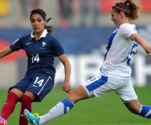 Coupe du monde de football 2015 : les footballeuses refusent le gazon artificiel